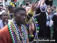 Ah yes  its the New Orleans Mardi Gras and the lo