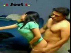 Argentina : pendeja hermosa muy mal cogida por el imbecil del novio