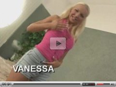 very nice blonde babe!! (wire07)