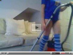 Kelly Hart vacuums (Clean masturbation)